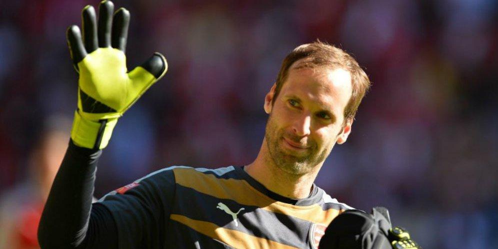 Mengejutkan ! Petr Cech Putuskan Tuk Pensiun Di Akhir Musim Ini